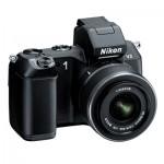 Nikon 1 V2 geliyor