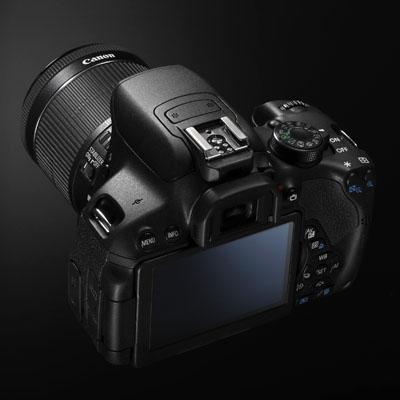 Canon iki yeni DSLR duyurdu