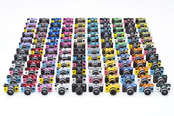 120 farklı renkli Pentax Q7