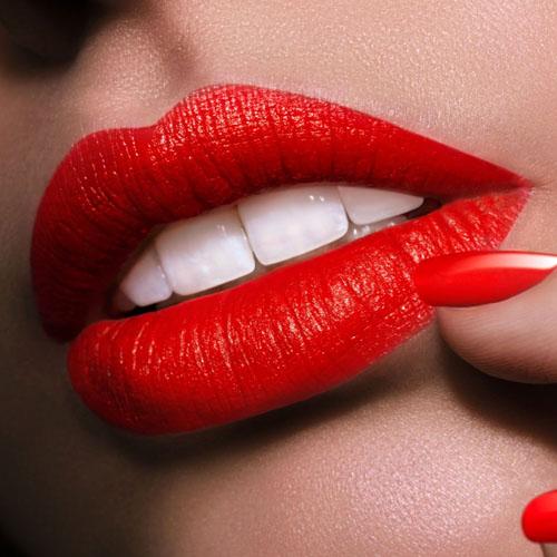 Fotoğraflarda mükemmel kırmızı dudaklar…