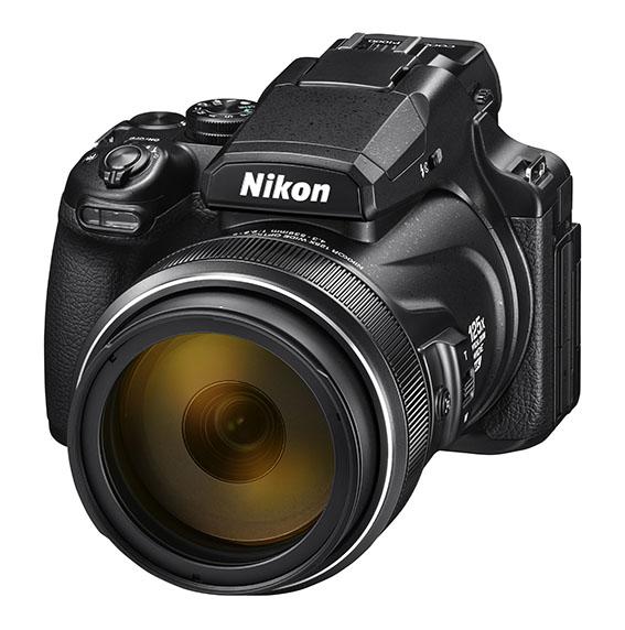 P1000 BK front34l lo w.high  - Nikon COOLPIX P1000