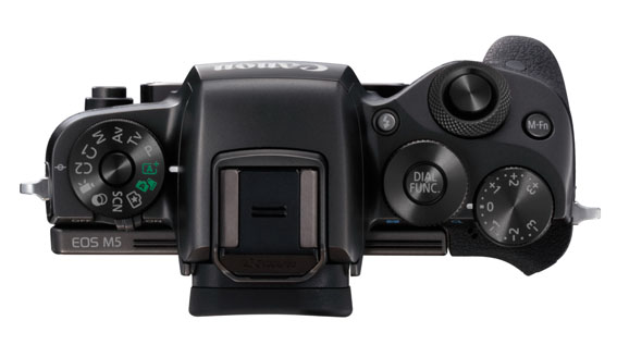 eos-m5-lens-off-top