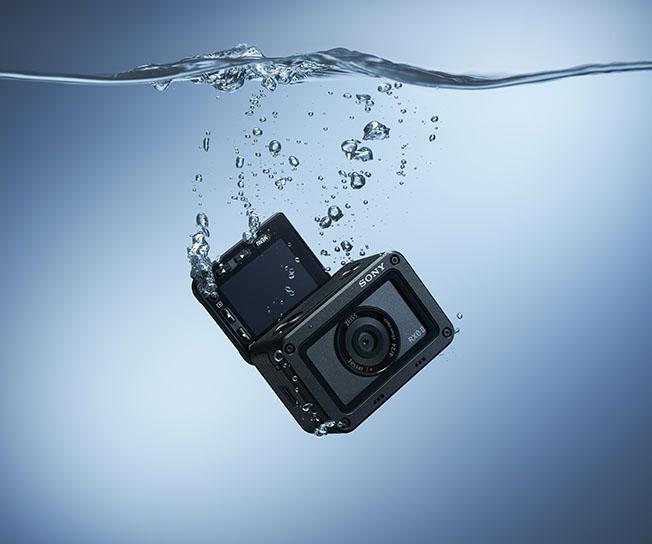 1553695907 RX02 Waterproof RGB - Sony RX0 II