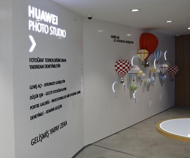 Huawei İstinyePark HES 5 - HUAWEI Deneyim Mağazası İstinyePark'ta Açıldı