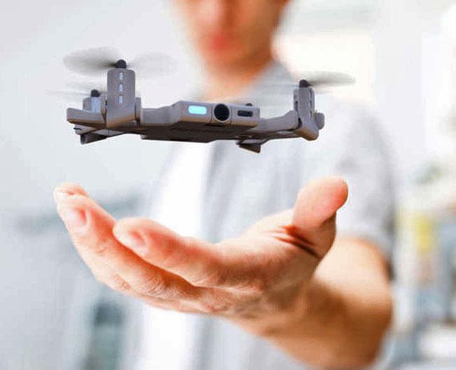 Selfly8 - Akıllı telefon kılıfına gizli drone: Selfly